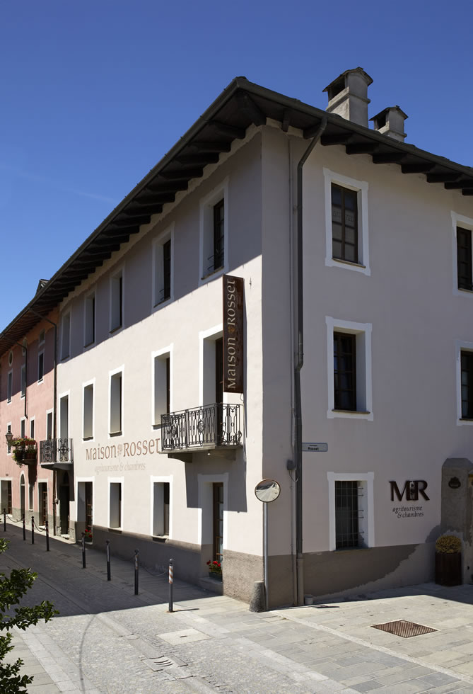 Bed breakfast chambres d 39 h tes chambres d 39 h tes maison for Agriturismo maison rosset